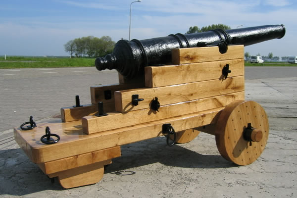 Thomas Johnson Minion Gun Sluis